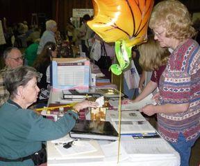 WCGS members meet guests at Expo